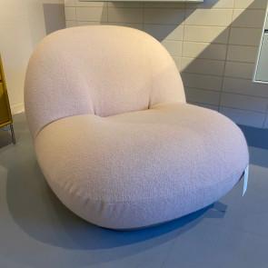 Udstillingsmodel - Gubi Pacha Lounge stol