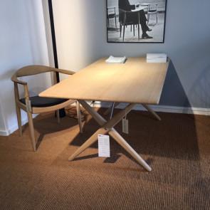 Udstillingsmodel - PP85 spisebord