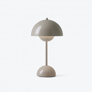 Flowerpot VP9 Portable bordlampe