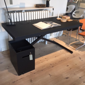 Udstillingsmodel - X-Table skrivebord