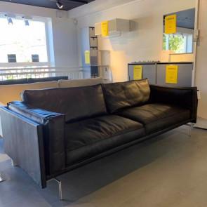 Udstillingsmodel - JUUL 311 sofa